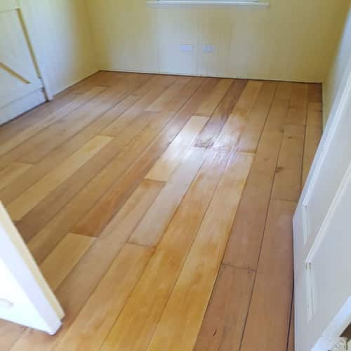 Floorboards staining